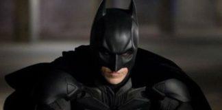 O diretor do Coringa, Todd Phillips, diz que gostaria de ver um filme sobre Batman ambientado na mesma versão em tela grande de Gotham City que seu próprio filme em DC.